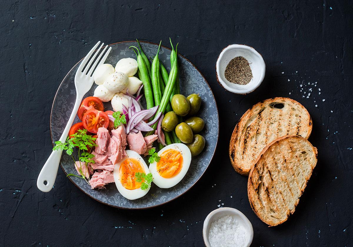 Snacking on the Mediterranean Diet